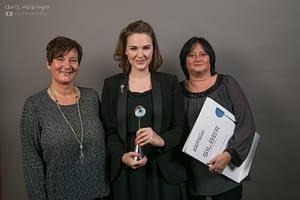 Mitte: Lisa Kiesselbach, alphaaffairs rechts: Elisabeth Kvych, aktivton
